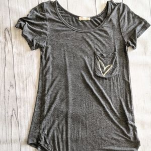 French Pastry grey heart short sleeve tee